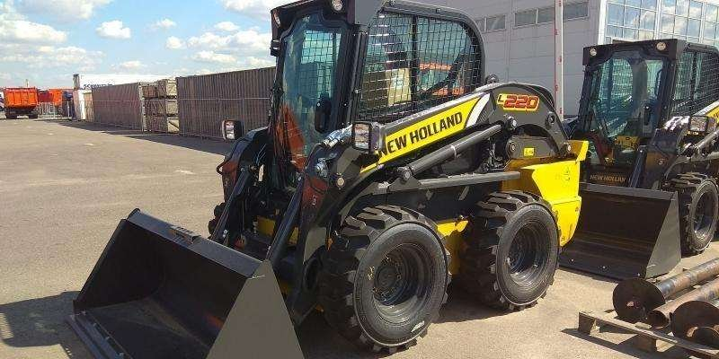 Мини погрузчик New Holland 220